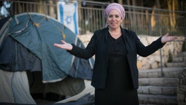אשה, חרדית ,זרחית ומתמודדת לראשות מפלגת העבודה