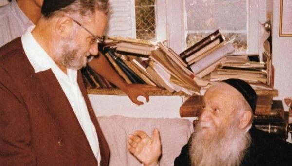 מניטו במפגש עם הרב צבי יהודה