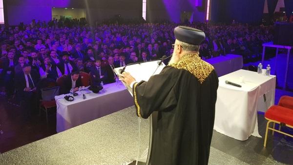 הרב יוסף נואם בעצרת בפריז