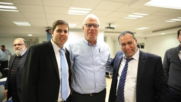הרב בן ציון אלגאזי, השר אורי אריאל, ליאור פרישמן