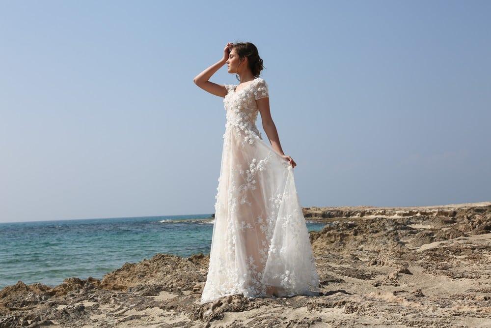 myra עיצוב שמלות כלה וערב