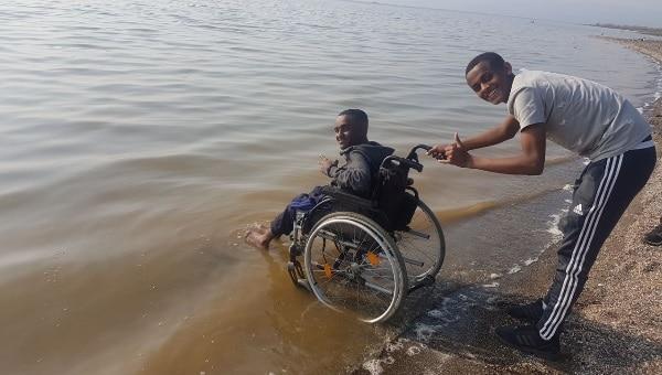 כסא גלגלים בכנרת